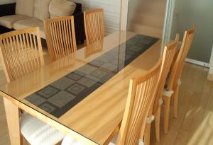 四角形のダイニングテーブル天板